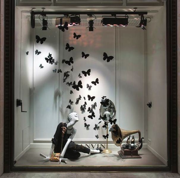 Contemporary Boutique Window Display For Summer Google