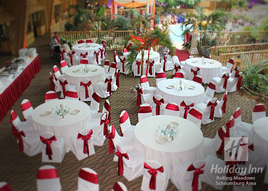 Hindu Wedding Venue In Chicago S West Suburbs Holiday Inn Located The Rolling Meadows