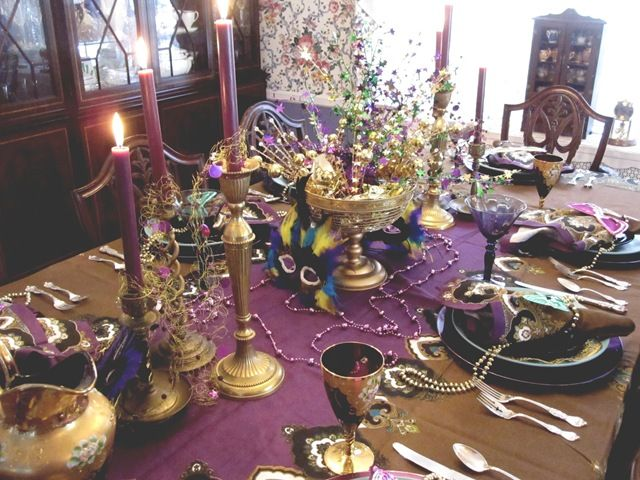 I love this refined Mardi Gras table setting...more purple and gold & I love this refined Mardi Gras table setting...more purple and gold ...