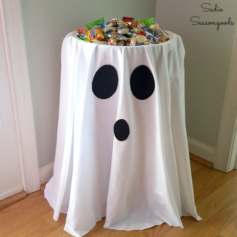 29 Cheap & Easy Halloween Party Ideas