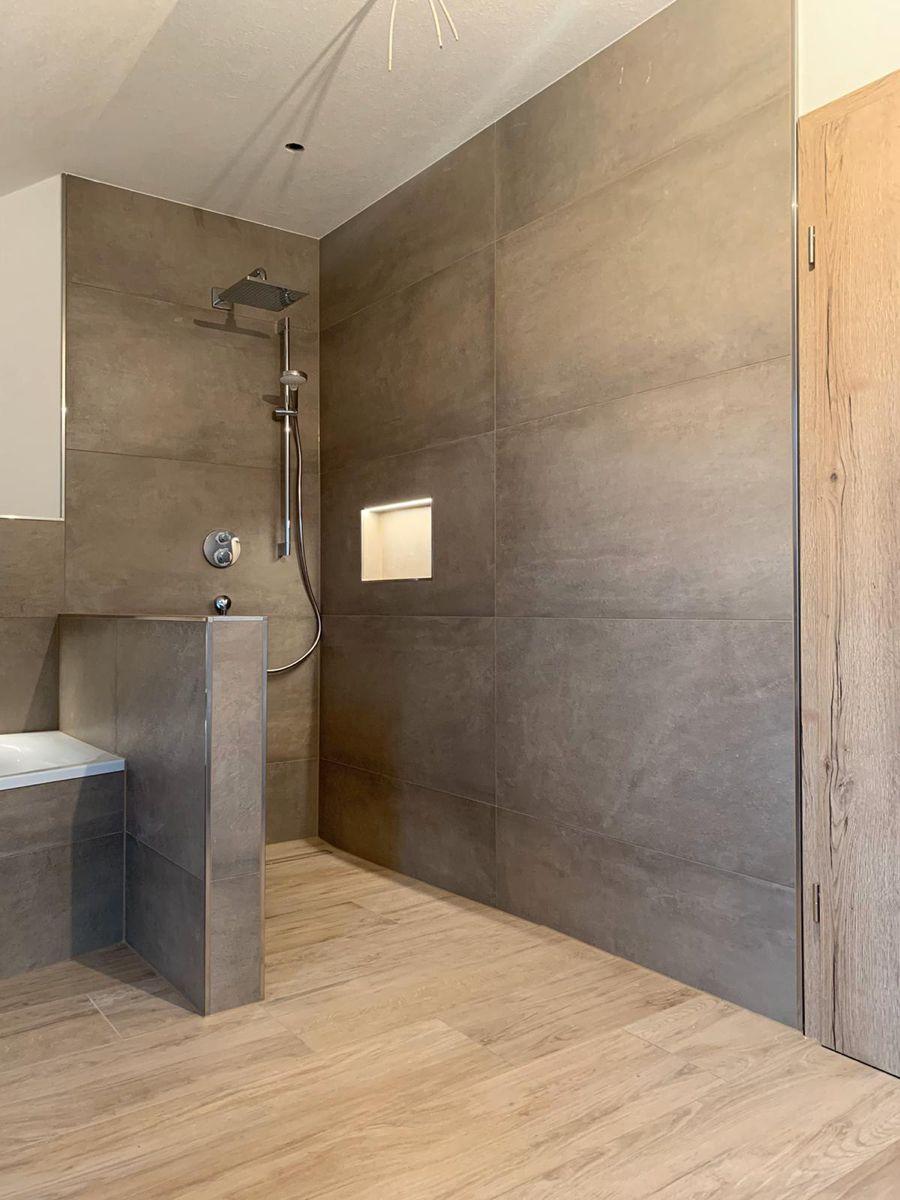 Der Weg Zum Traumbad In 2020 Neue Badezimmerideen Badezimmereinrichtung Badezimmer Holzoptik