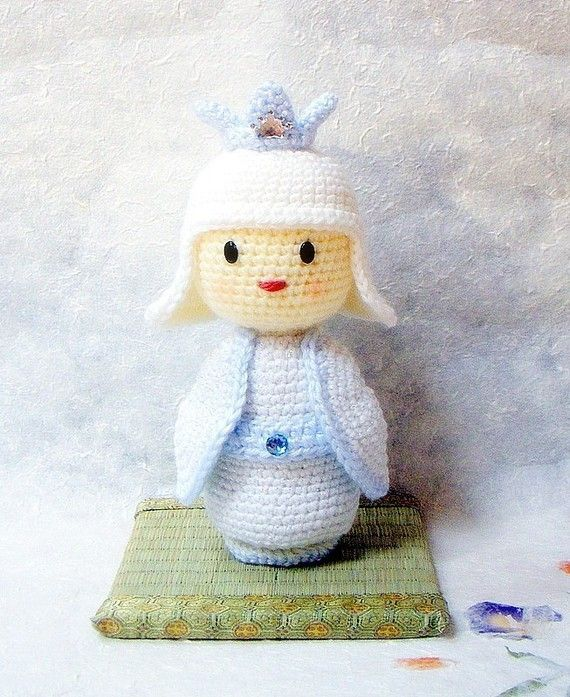 Amigurumi pattern - Snow Princess - Crochet Kokeshi doll tutorial ...