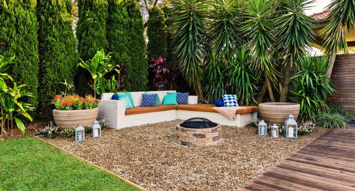 Die Tote Ecke Im Garten Gestalten Mit Einem Zweiten Sitzbereich Mit Sofa Garten Gestalten Garten Gestalten Ideen Hintergarten