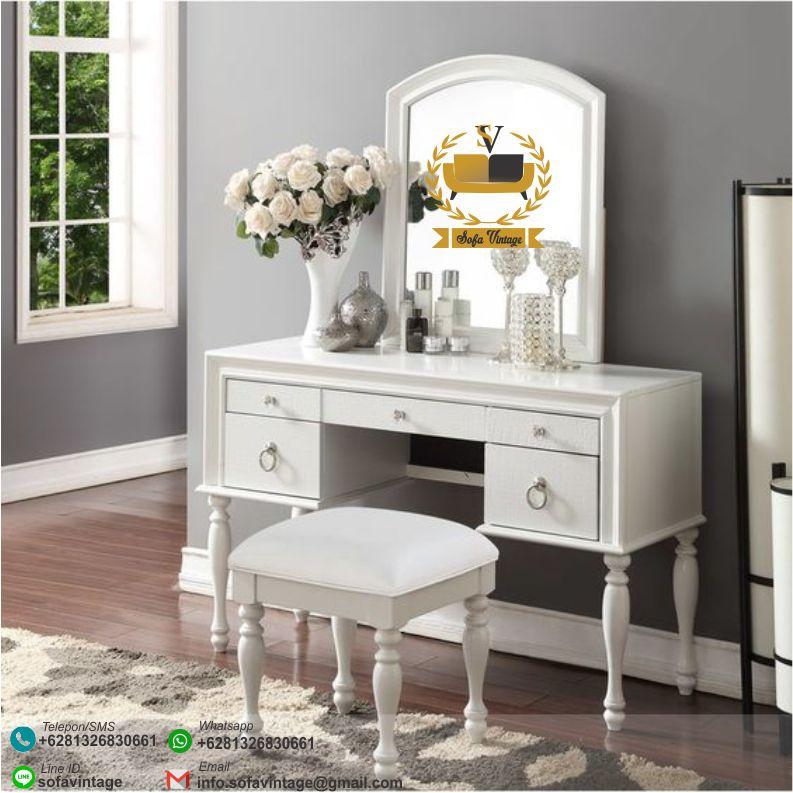 #mejarias #mejavanity #mejariasukir #mejamakeup #mebelklasik #mebelukir #furnitureukir #mebelterbaru #furniturterbaru #mejariasterbaru #mejariasjati #mejaukir #furniturejakarta #mebeljepara #furniturejepara #mebelretrominimalis #mebelvintage #mebelshabby #furnitureshabby #furnituresurabaya #furniturebandung #furnituresurabaya #mejabufetminimalis #konsoljati #mejajati #jatiminimalis #interiorrumah #desaininterior #desainmebel #desainfurniture