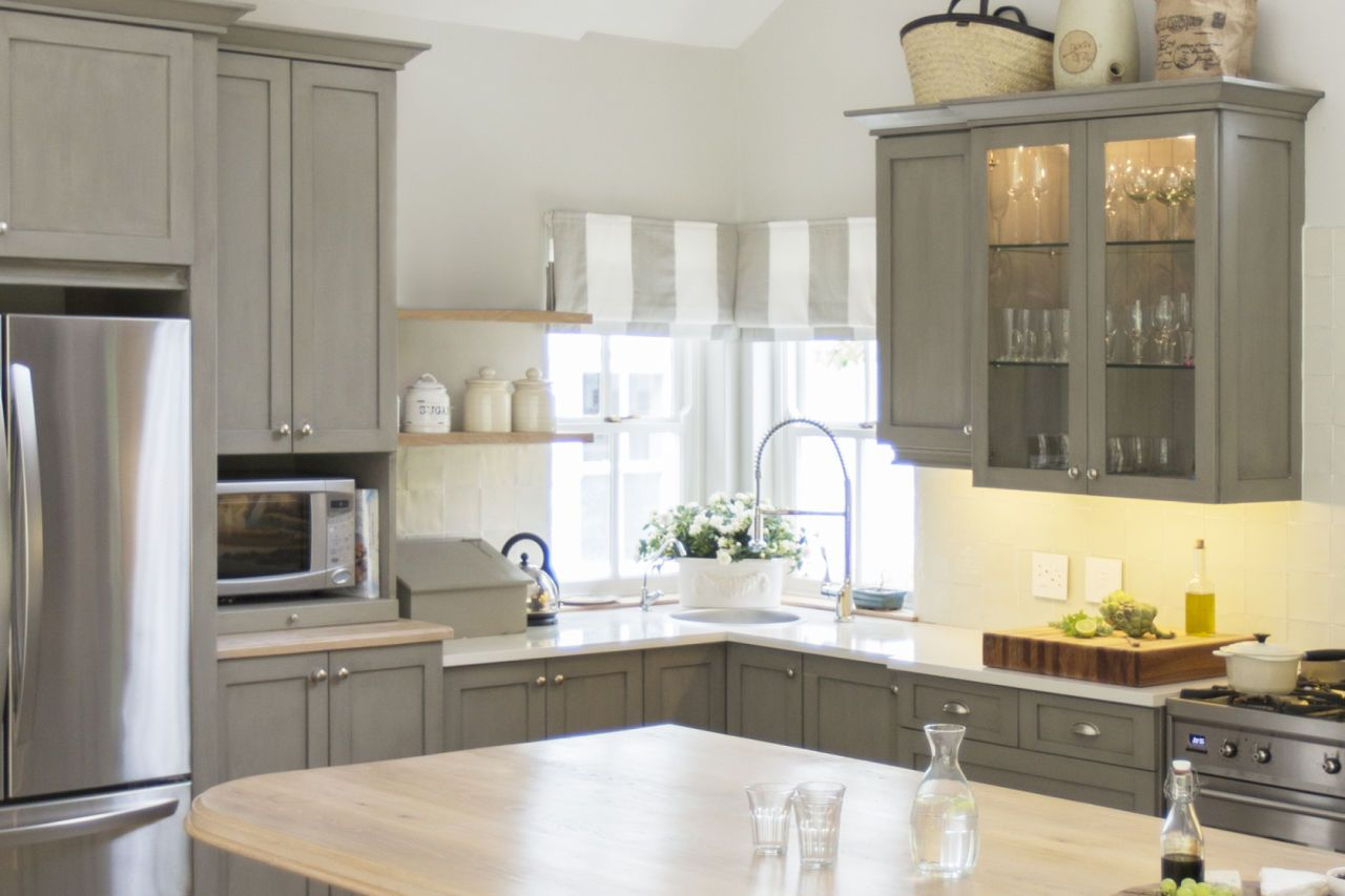 11 Big Mistakes You Make Painting Kitchen Cabinets: best white paint for kitchen cabinets behr