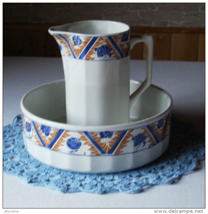 Ancien ensemble de toilette orchies moulin des loups for Vasque ancienne en porcelaine