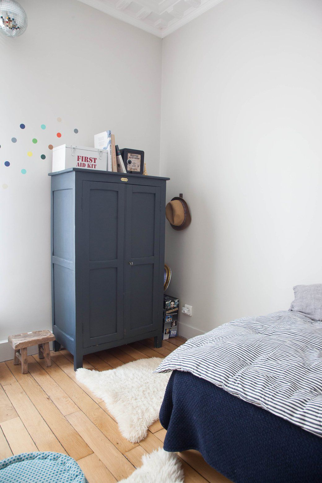 Home Tour: Harmony in a Rustic French Home  Deco chambre enfant