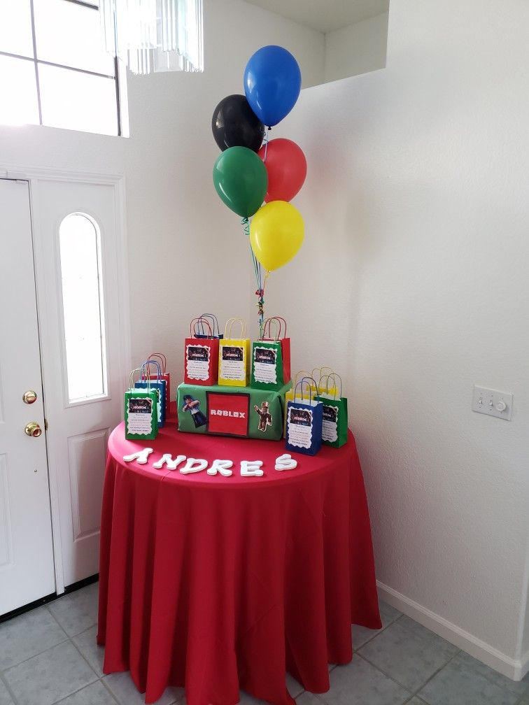 The Boy S Roblox Birthday Party Favor Bags For Guests Birthday