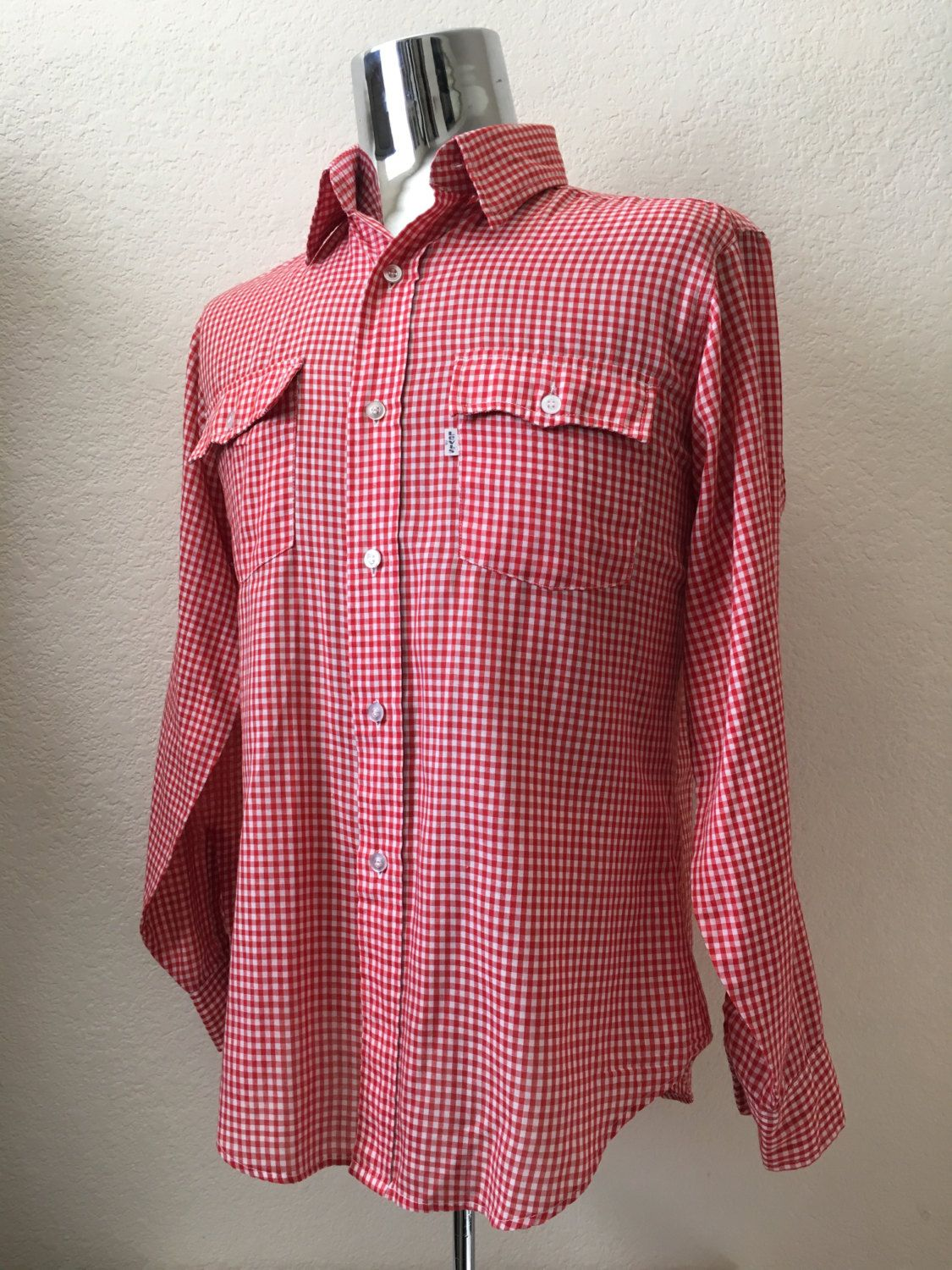 ad0ec36532321 Vintage Men's 70's Levi's Shirt, Red, White, Checkered, Long Sleeve, Button  Up (L) by Freshandswanky on Etsy