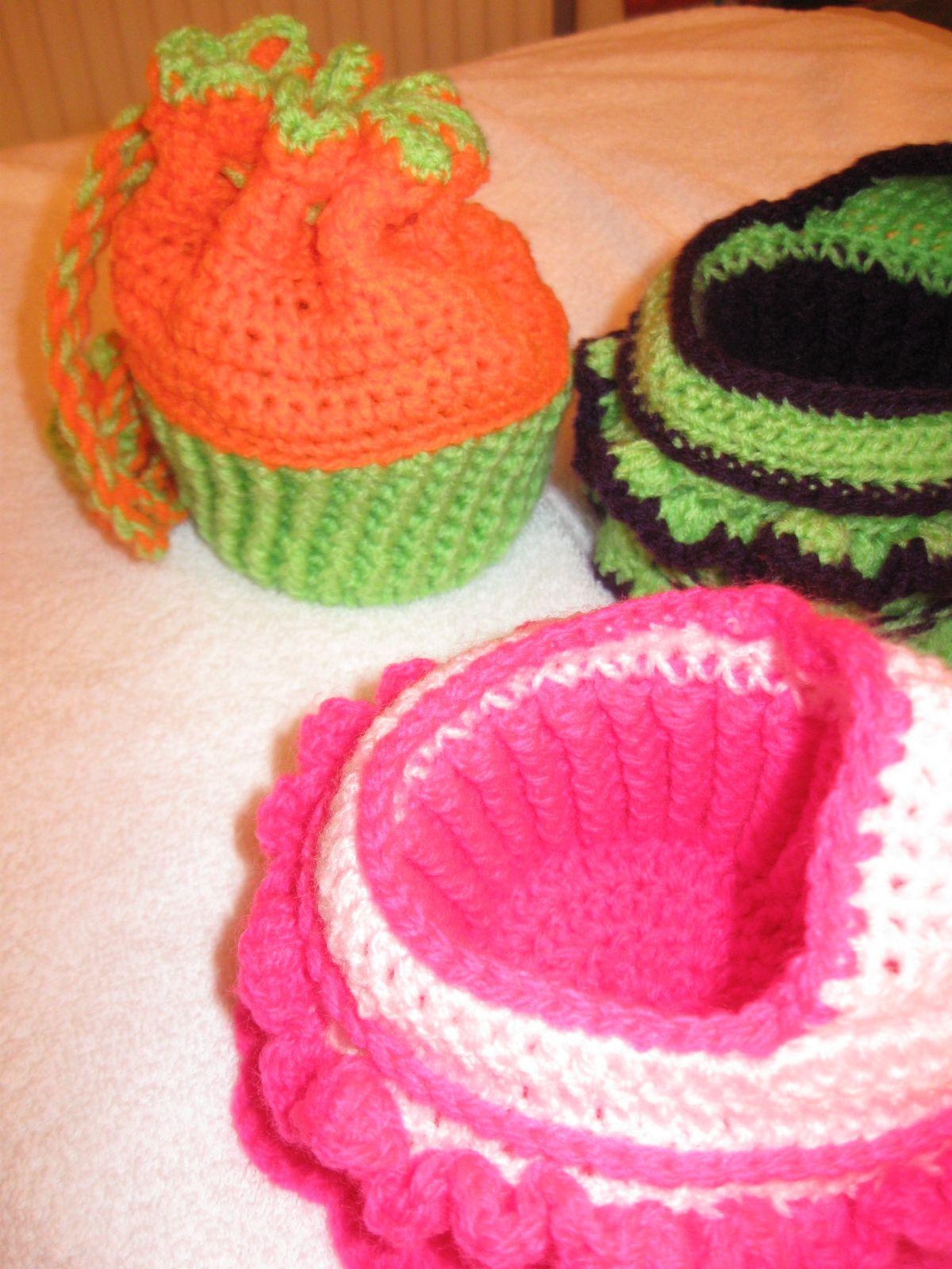 Pattern here .... http://www.crochetville.com/community/topic/78834 ...