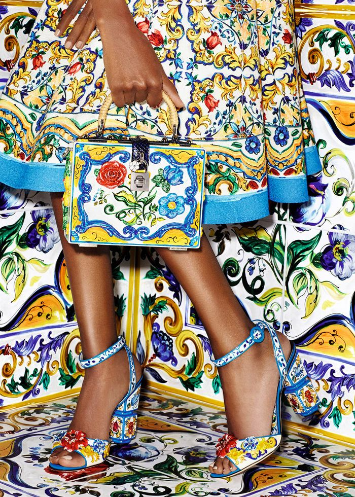 616f24d06641 Dolce-Gabbana-Majolica-Accessories-Collection-Fashion-Bags-Shoes-Trends-Tom- Lorenzo-Site (12)