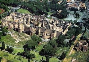 Vistas aéreas de las Termas de Caracala de Roma Italia