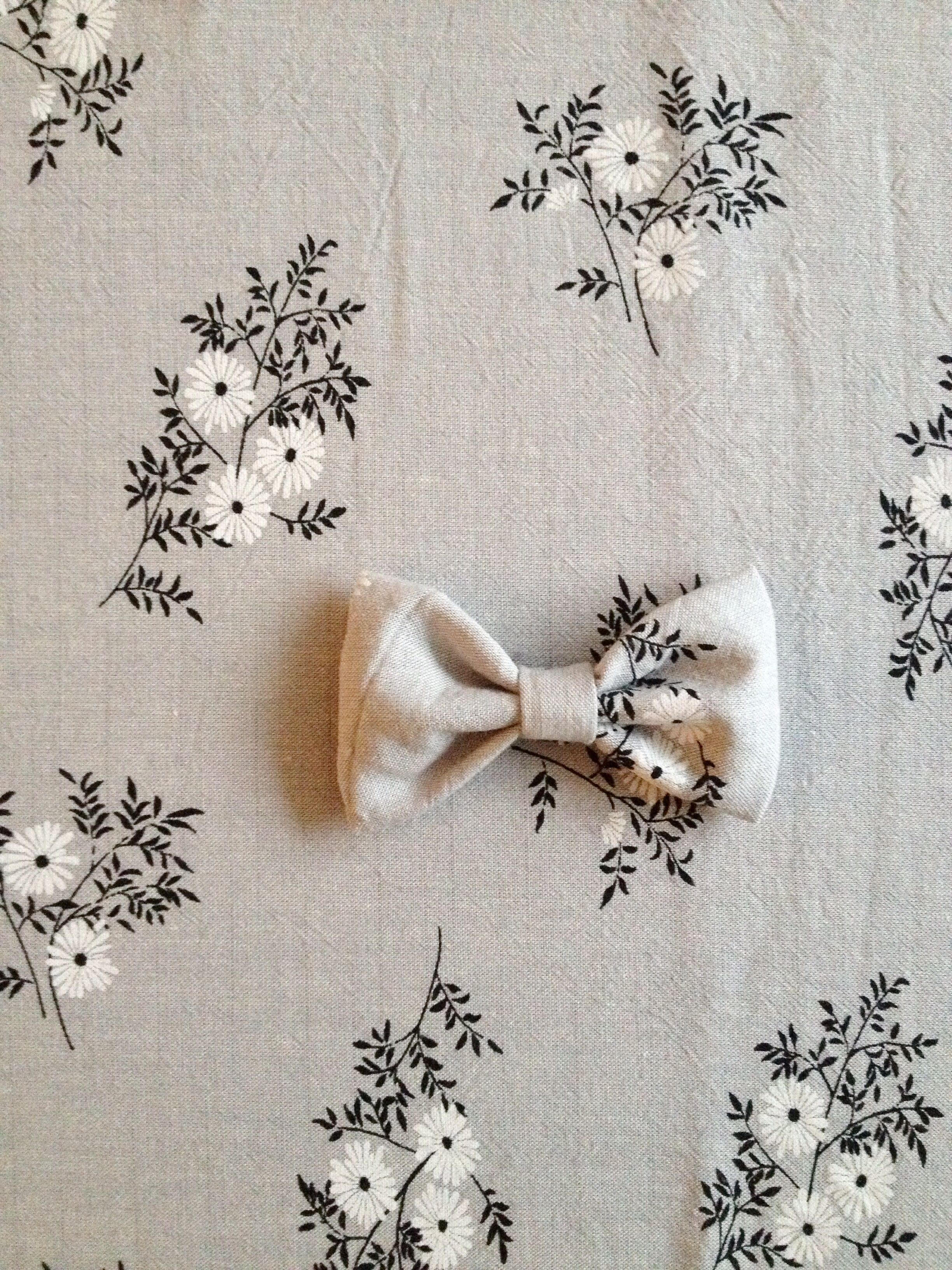 Suussies - bow - bowtie - vintage-  bow tie - fabric - handmade