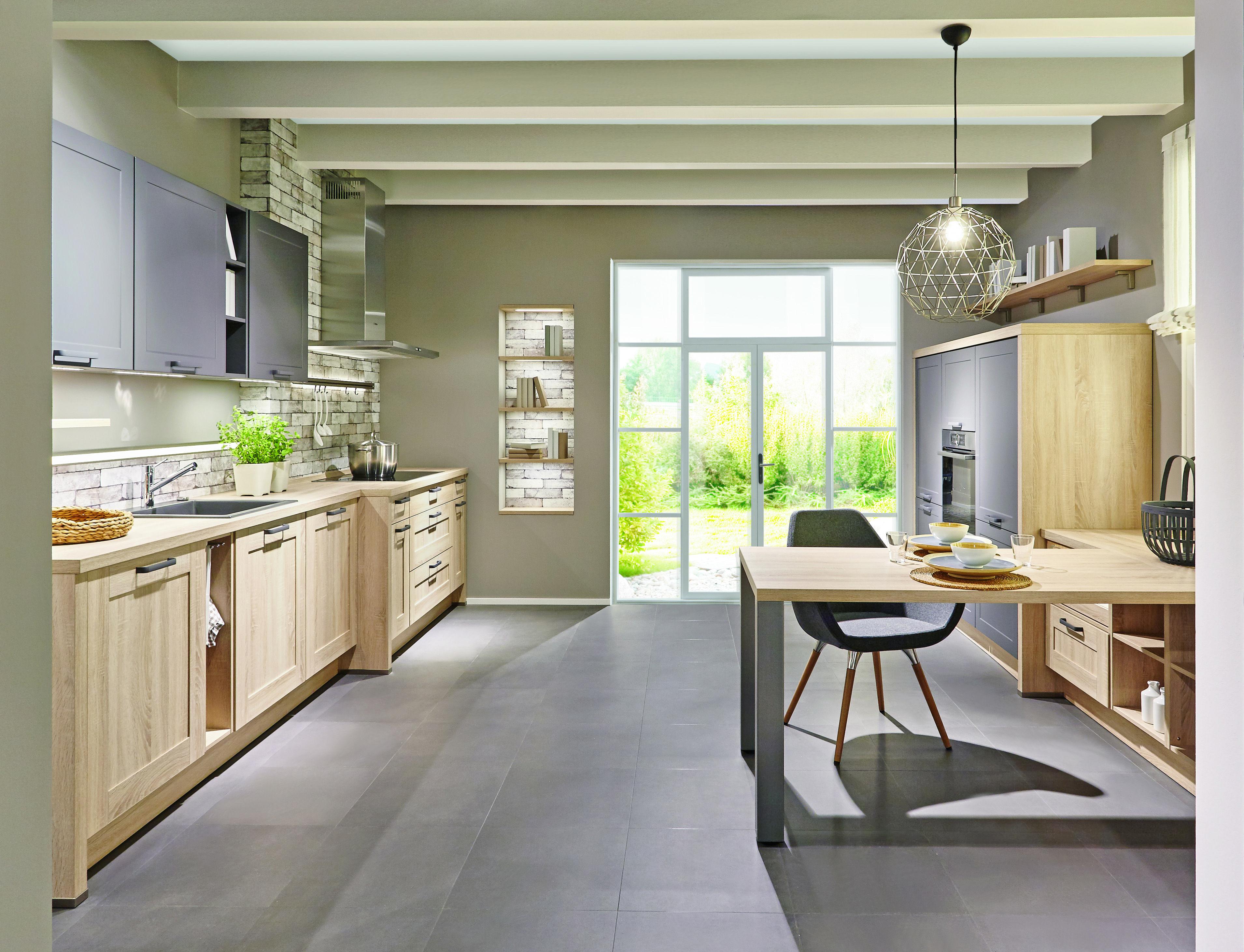Küchen in Holzoptik müssen nicht altbacken aussehen Wir