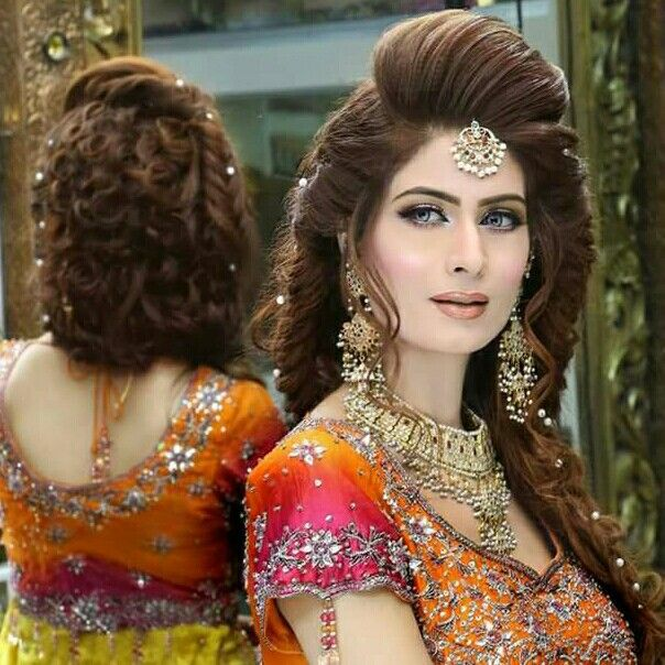 Pin By Maryam Awan On Indian Couture Hairstyles For Gowns Hair Styles Hairstyle