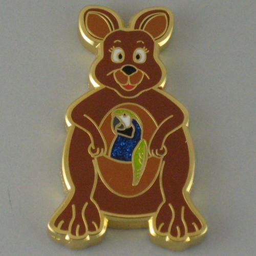 Hunny-Bunny-Shiny-Gold-Geocoin-Trackable-w-Icon