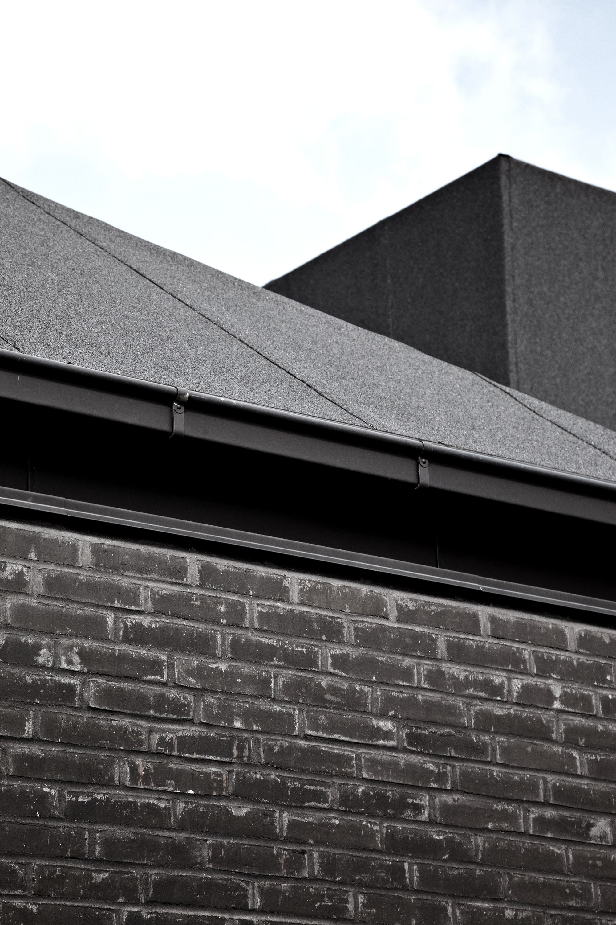 Gallery Of Roof House Leth Gori 8 House Roof Fibreglass Roof Roof Shingles