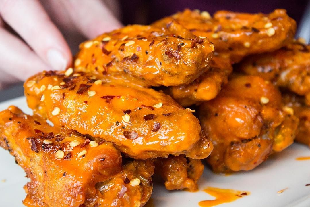 Blue Door Might Be More Well Known For Their Own Take On The Juicy Lucy Named Blucy But Locals Know That Their Aw Chicken Wings Eater Buffalo Chicken Wings