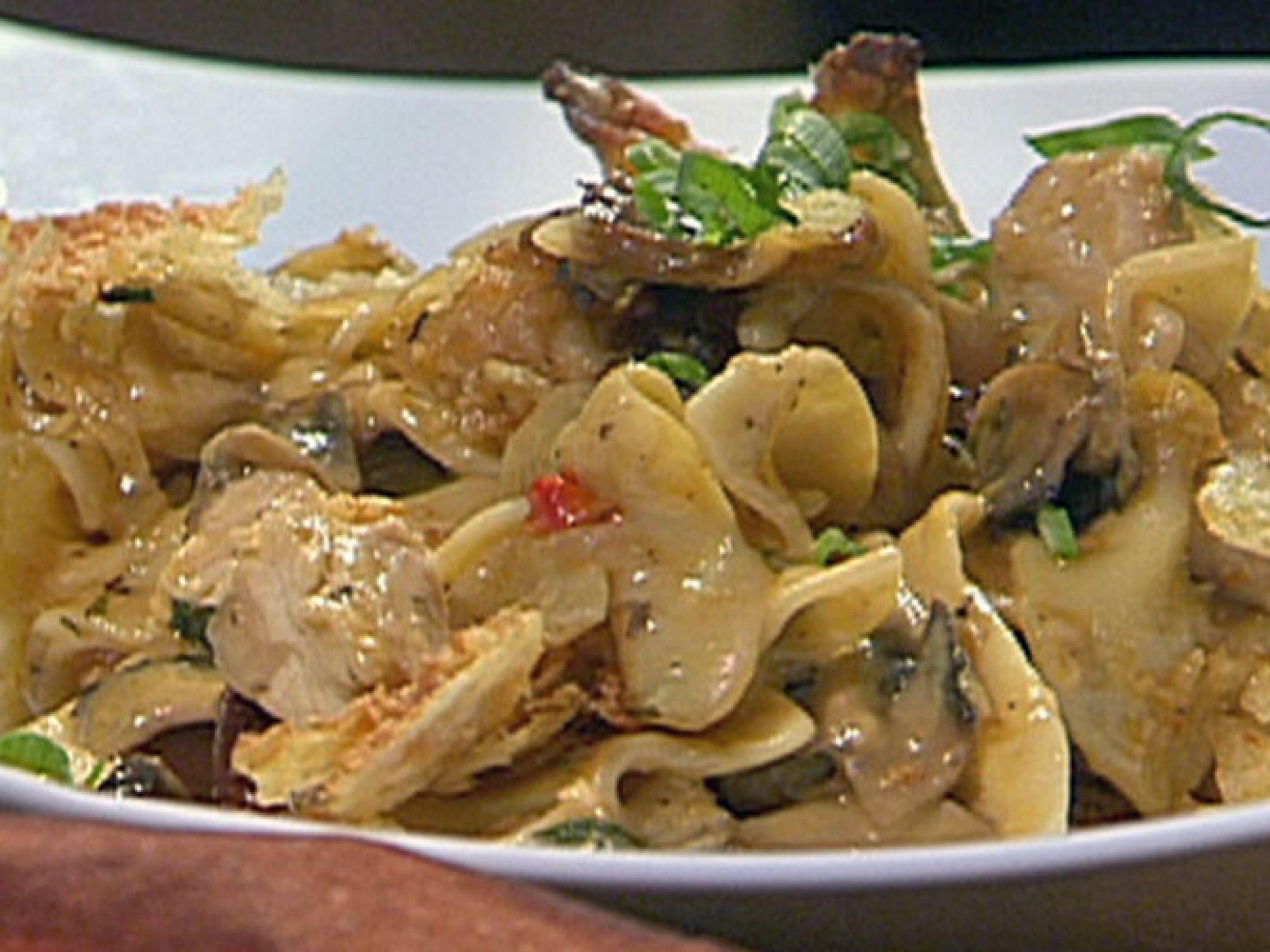 New orleans style italian salad receta explora nuevas recetas recetas de pavo y mucho ms turkey tetrazzini recipe from emeril lagasse via food network forumfinder Gallery