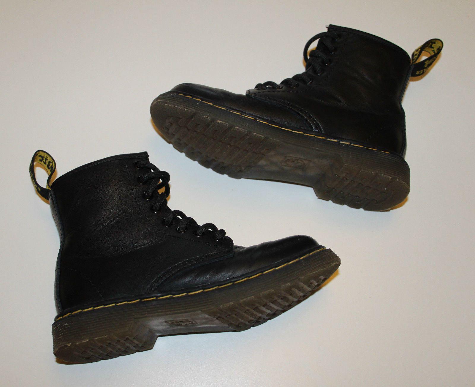 323d85306188 Dr Martens DELANEY Junior Lace-up AirWair Bouncing Soles Boots Size UK 10  EU 28 in Clothes