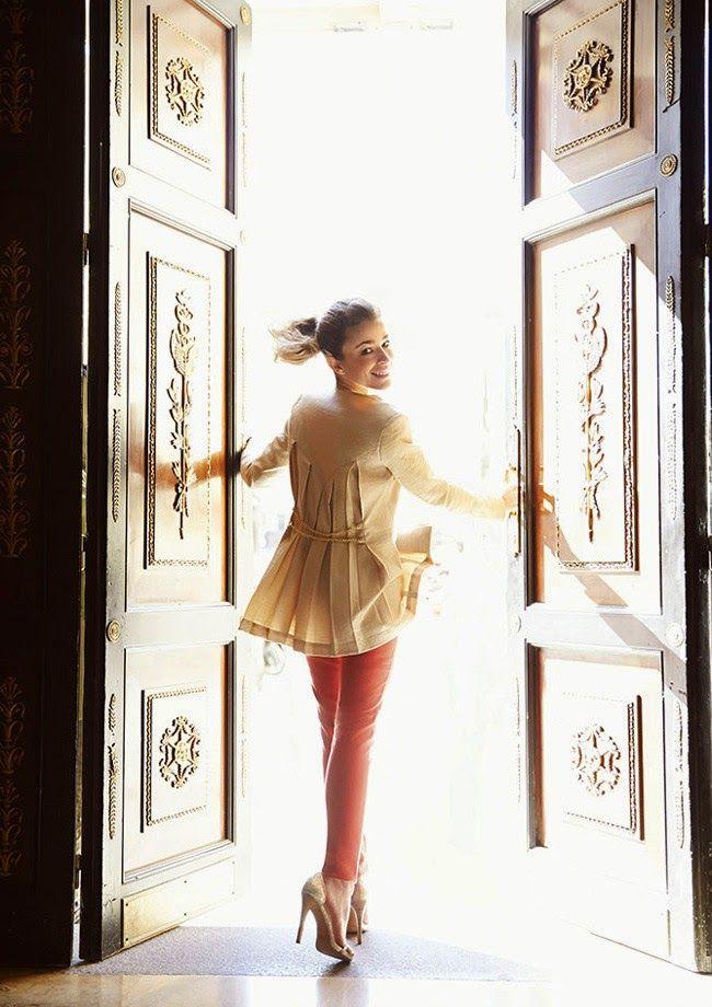 Más vestidos para ti: Silvia Abascal la elegancia y la dulzura son elegi...
