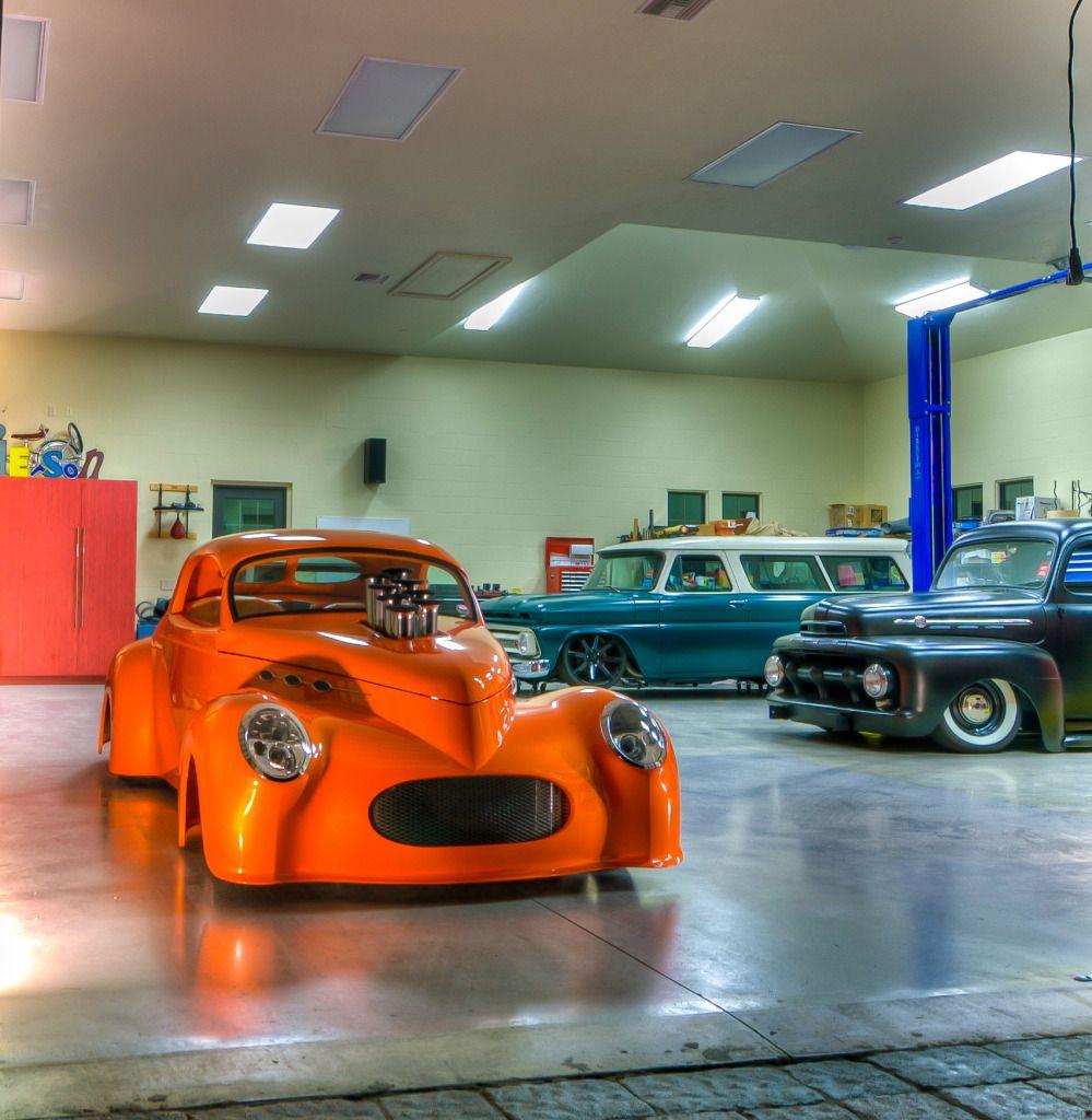 Car Garage: Dream Garage With Amazing Trucks