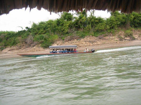 Rio Usumacinta en selva Lacandona-Guatemala
