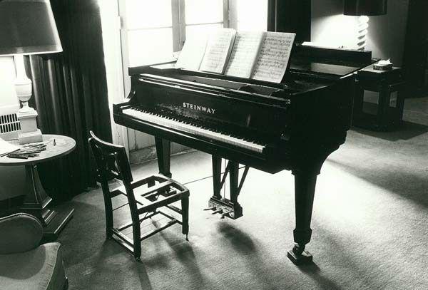 Pianista frustrado y el piano CD 318