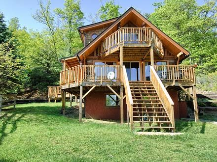 Asheville Pet Friendly Cabin Rentals | Pet Friendly Accommodations |  Greybeard Rentals