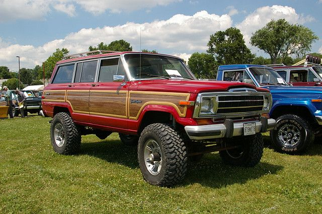 Lifted Jeep Grand Wagoneer | Jeep wagoneer, Jeep grand ...