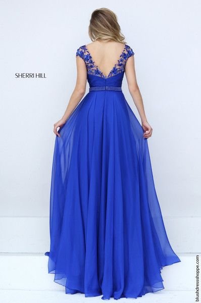 Perfect on all figures, this Sherri Hill prom dress 50211 shows a V-neckline