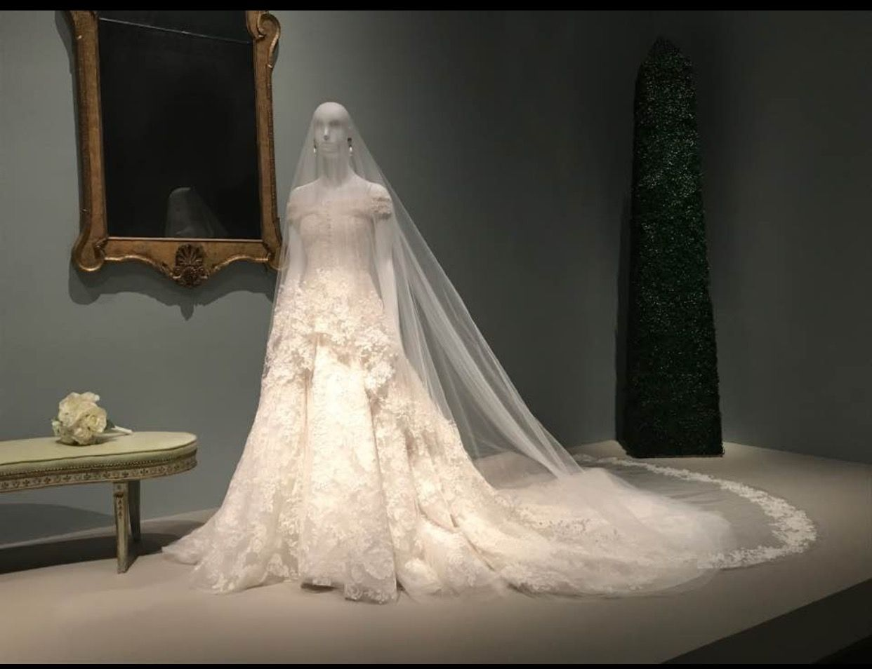 The wedding dress of Amal Alamuddin now
