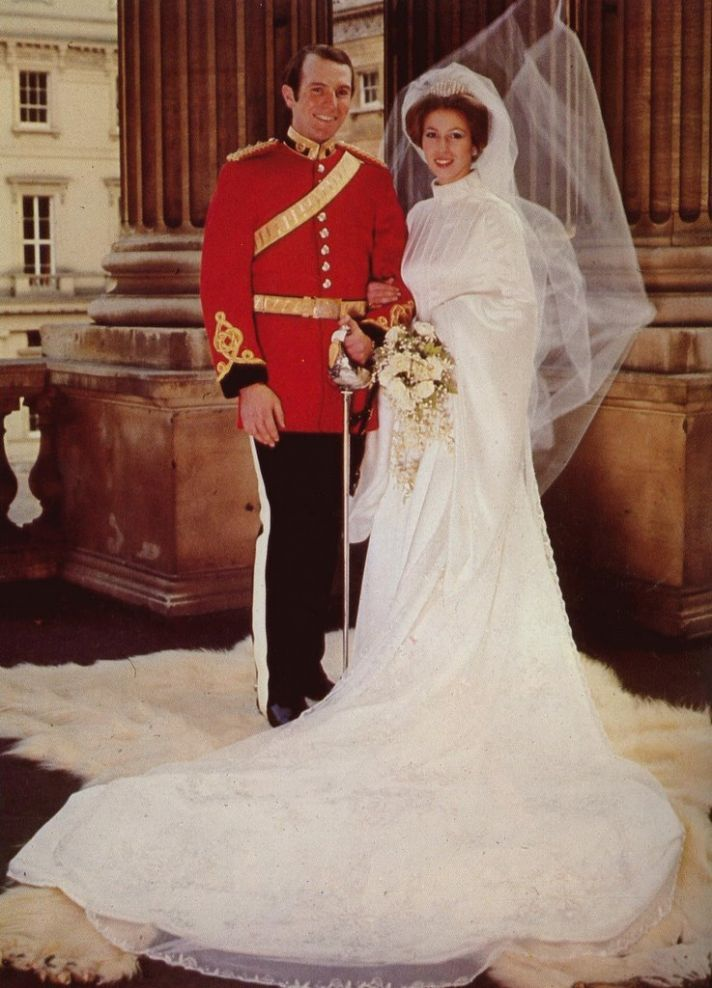 Royal Wedding Dresses of Great Britain: Princess Anne ...