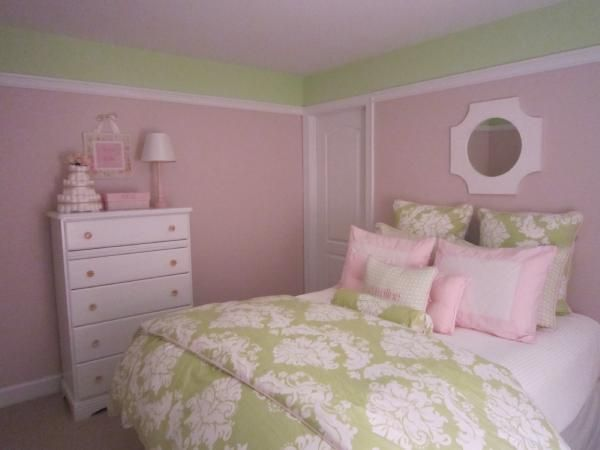 Love The Pink And Green And The Damask Just Gives It A Simple Elegance Green Girls Rooms Girl Room Green Rooms