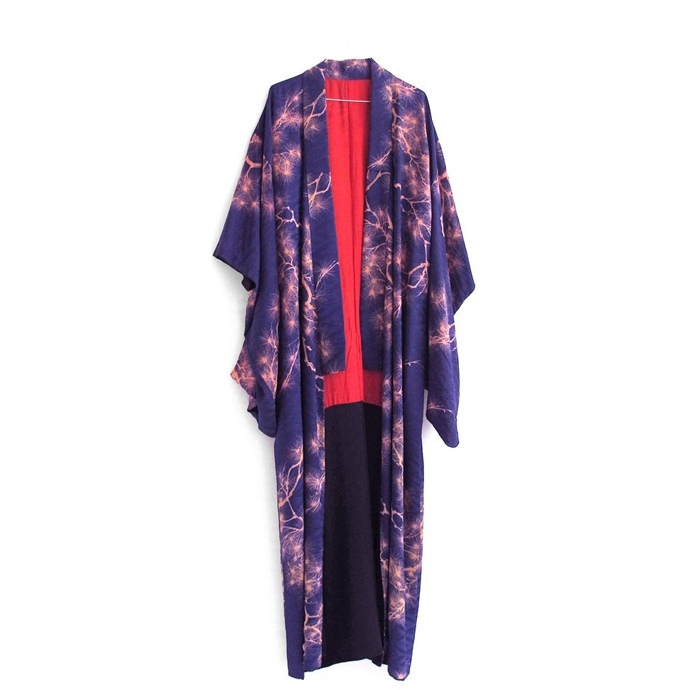 Image of Midnats blå silke kimono med gyldne grangrene