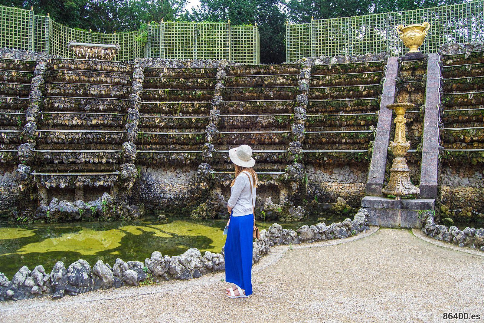 Nerea En Uno De Los Rincones De Los Jardines De Versalles Palacio