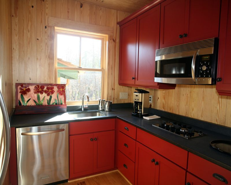 Innovative Small Modular Kitchen Decor Inspirations : Amazing UShaped Small Modular  Kitchen Design With Black Marble Countertop And Red Maroon Cerau2026 Part 94