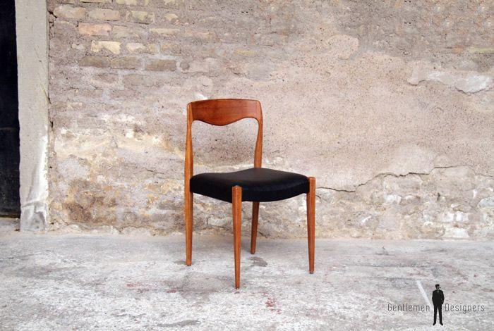 8 chaises en teck et similicuir noir DIY ideas