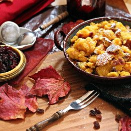 Kaiserschmarrn by tanjascookingcorner via www.okusi.eu #recipe #food #austrian #dish