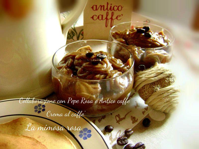 Crema al caffè deliziosa, da servire in coppette individuali o da usare per farcire pan di spagna, torte e crostate. Buonissima!