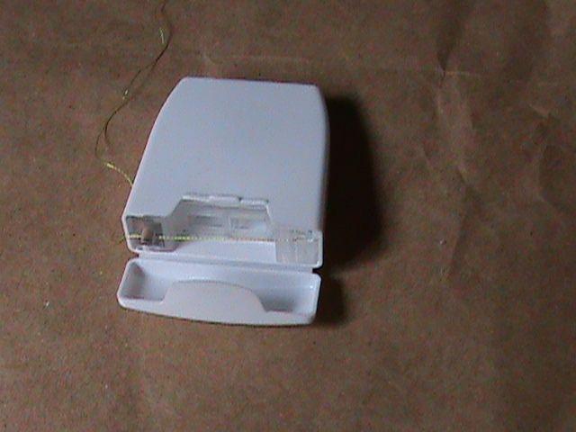 caixa de fio dental reciclada by cantinho da francisquinha, via Flickr