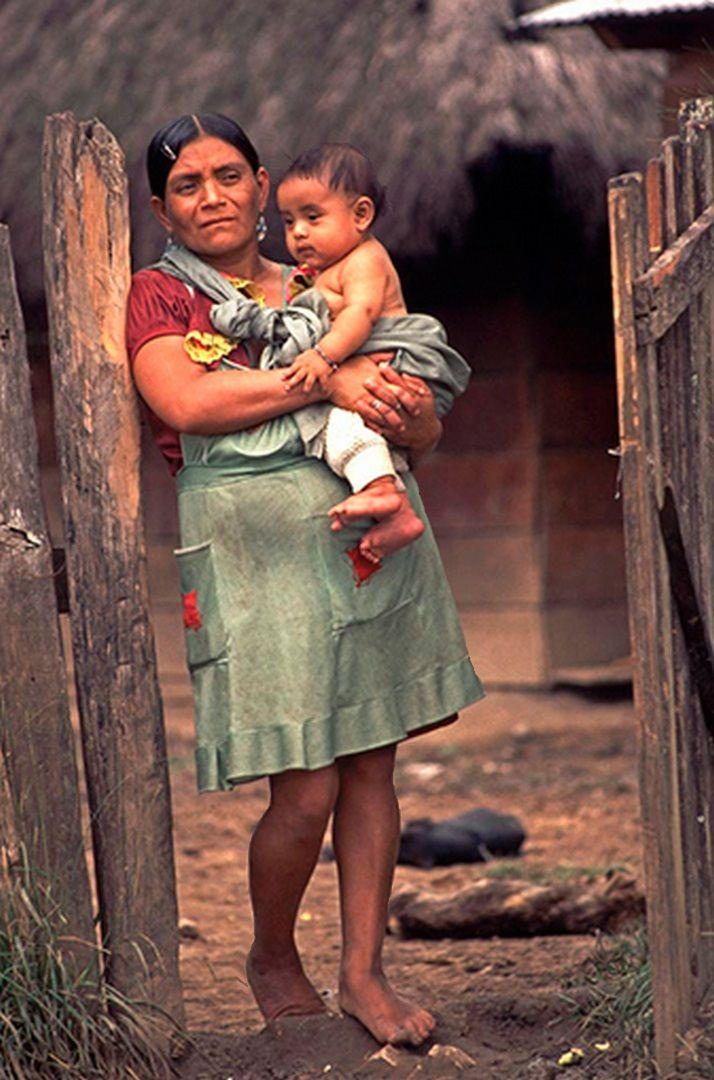 Habitante de La Realidad, Selva Lacandona, Chiapas, 1994 - foto por Emiliano Thibaut
