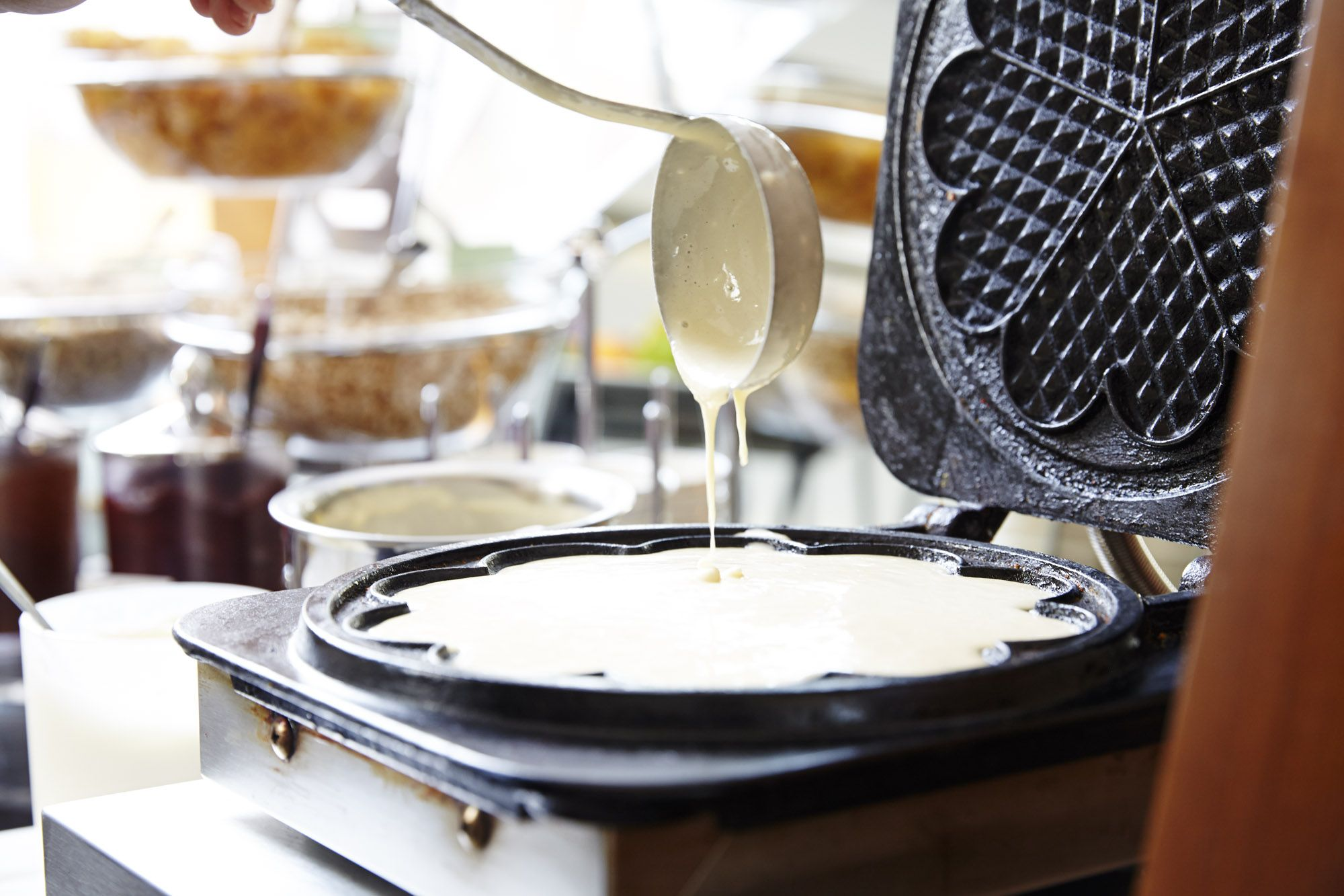 Waffeln zum Selberbacken Frühstücksbuffet im Hotel Donauwalzer