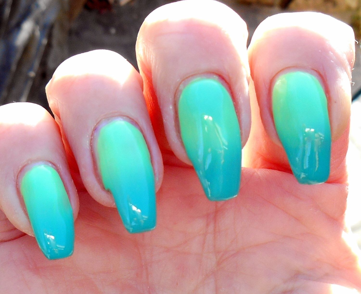 Day-a-glow Green to yellow thermal creme nail polish by ...