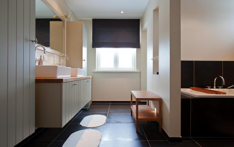 Modele Salle De Bain Perene ~ microcement 2 colours aluminium douches de salle de bains