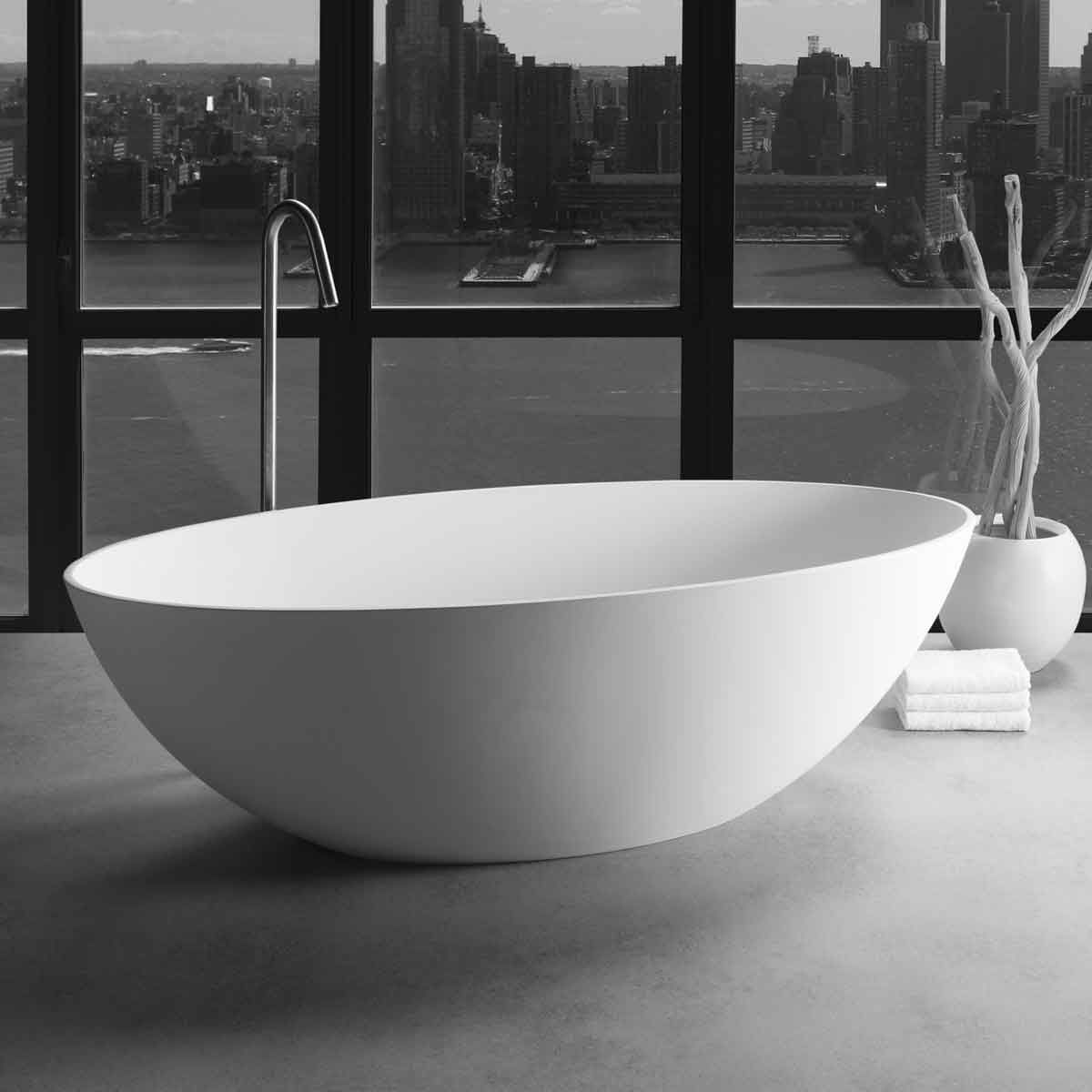 London Bath Made From Dadoquartz And Available In White Black Green Grey Accompanied By Jee O Slimline Bath Mixer Bathroom Bathroomdesign Ba Badewanne