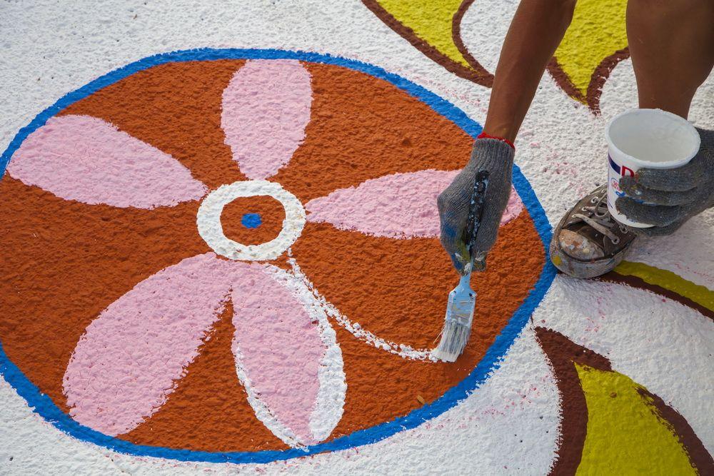 yulia_avgustinovich_aurora_street_mural_stanley_market_place_denver_colorado-13