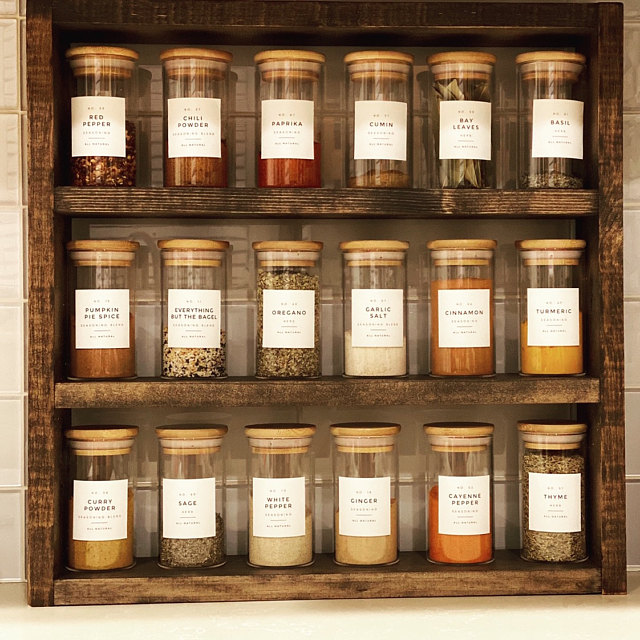 Modern Spice Labels • Personalization Available • Durable, Water & Oil Resistant • Square or Round, fits Mason Jars