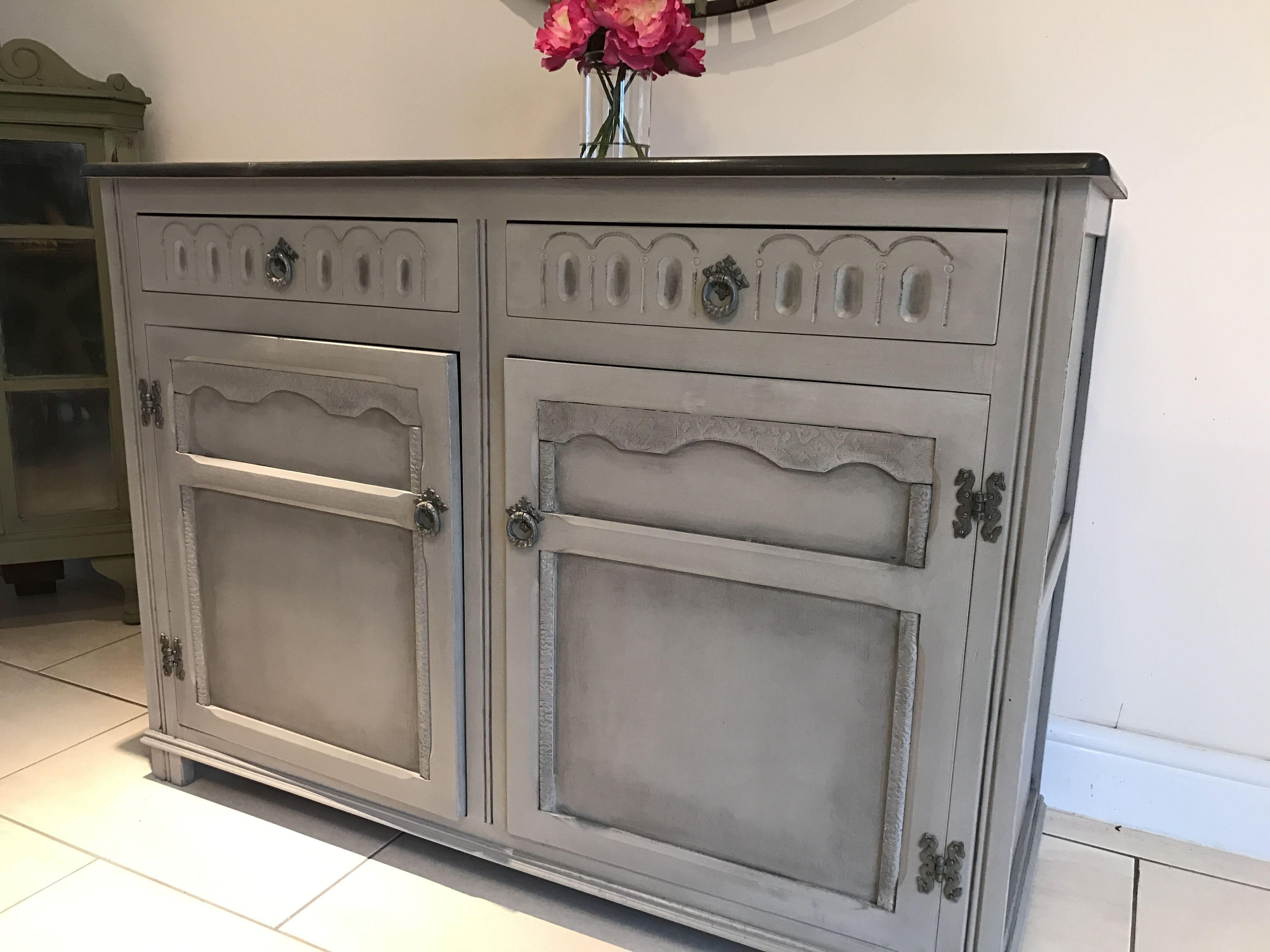 annie sloan french linen followed by clear and black wax annie sloan paint annie sloan. Black Bedroom Furniture Sets. Home Design Ideas