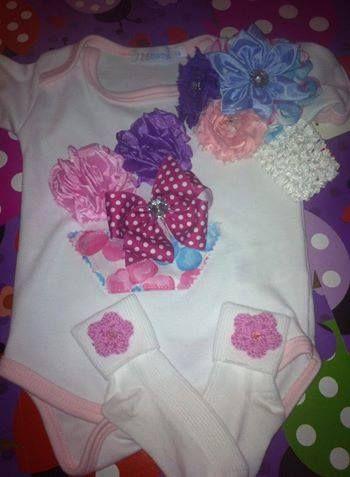 londo pañalero decorado con flores de tela y crochet  d99867e638e